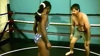 Black Raquel-puny Package Annilates Bob In Grappling